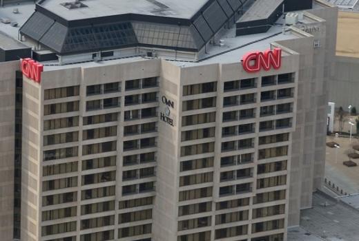 CNN tužio Trumpa zbog oduzimanja akreditacije novinaru Jimu Acosti