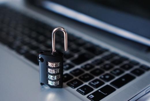 New York Times na meti hakera