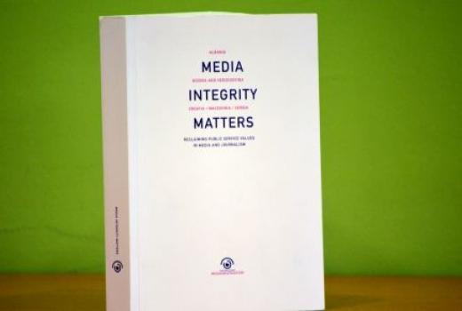 Vratiti medije i novinarstvo u službu javnosti