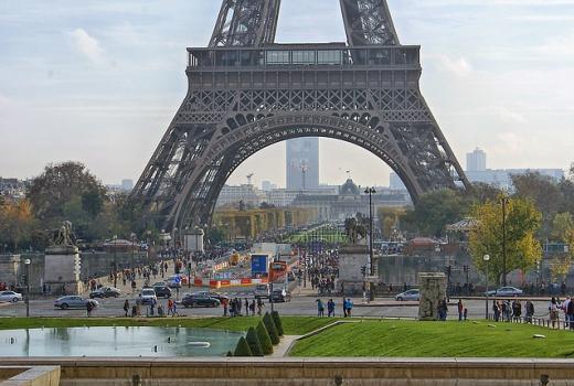 Francuska razmatra ukidanje slobodnih WiFi zona nakon terorističkih napada