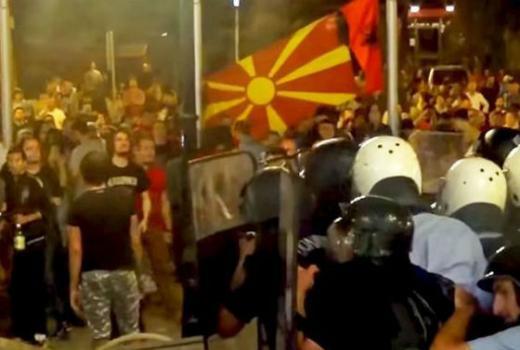 Novinari iz regije solidarno uz kolege u Makedoniji koje tuku, hapse, prisluškuju