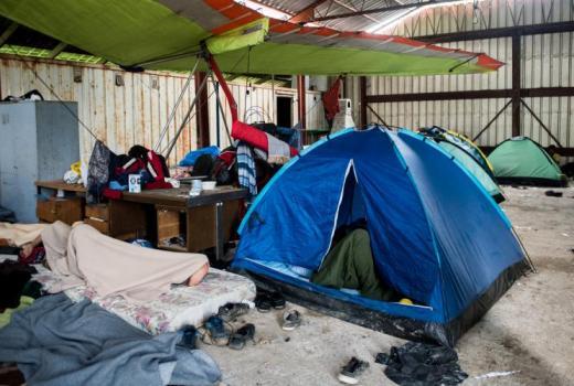 Novinarima zabranjeno izvještavanje o izmještanju migranata iz kampa Vučjak