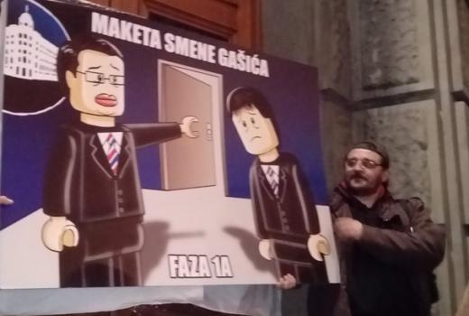 """U Srbiji četvrti put protesti """"Novinari ne kleče"""""""