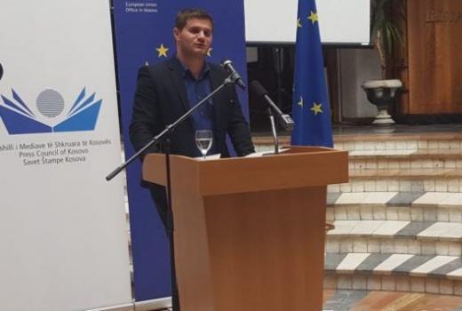 Kosovo: Nagrađivani novinar Parim Olluri napadnut u Prištini