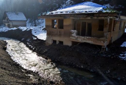 Vlast zaboravila katastrofu: Zbog spore obnove nasipa građani strahuju od novih poplava
