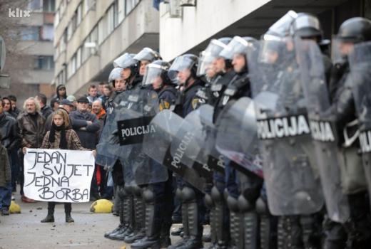 Der Standard: Bosna kao lek