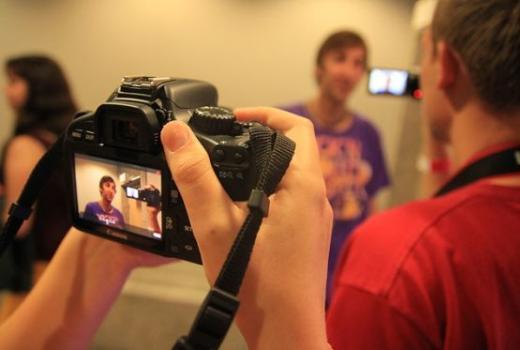 NOVINARSTVO 2.0 Multimedijalna produkcija i online mediji