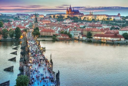 Stipendije za novinarski trening kamp u Češkoj